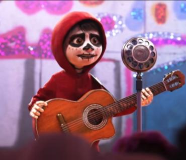 Anthony Gonzalez, Gael García Bernal – Un Poco Loco + Lyrics